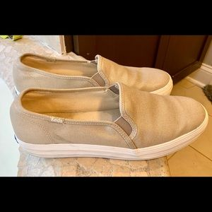 Size 9.5 khaki/metallic keds double decker slip on